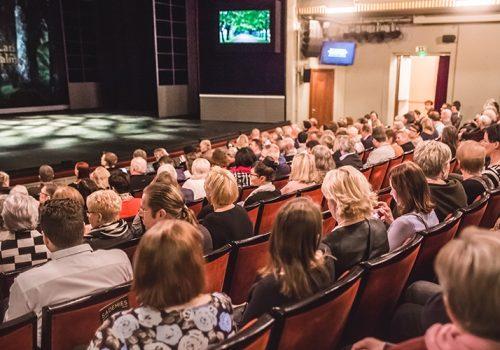 Visit_Tampere_Tampereen_Teatteri_Theatre_versio_2_Laura_Vanzo-33